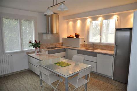 modeles cuisines contemporaines cuisine design chène laqué blanc modèle haut de gamme