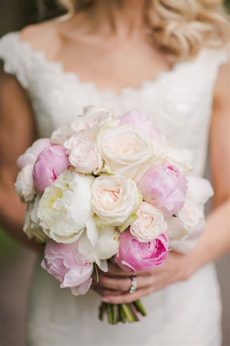 beautiful peony wedding bouquets  andri wedding design