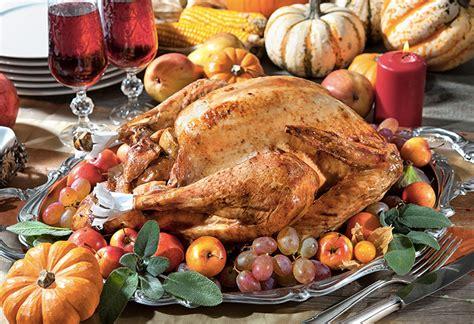 cuisiner une dinde pour noel recette dinde de thanksgiving traditionnelle cuisine