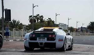 Voiture Police Dubai : impressionnante flotte de voitures de la police de dubai ~ Medecine-chirurgie-esthetiques.com Avis de Voitures