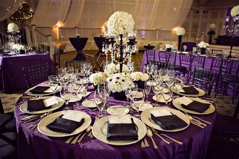 purple table decoration idea for a lovely wedding