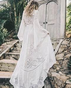 Robe Blanche Longue Boheme : belle robe longue blanche fluide boheme manche longue la robe longue ~ Preciouscoupons.com Idées de Décoration