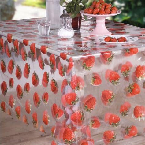 nappe transparente imprim 233 es fraises toile cir 233 e au m 232 tre badaboum