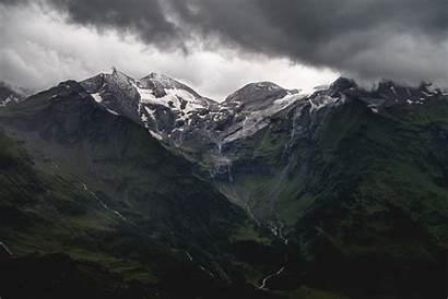 Mountains Face