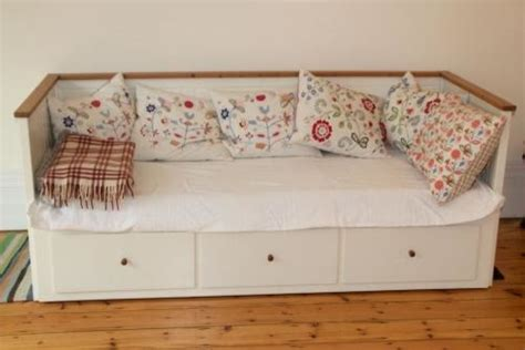 daybed vs sofa bed which mattress placed where on hemnes daybed