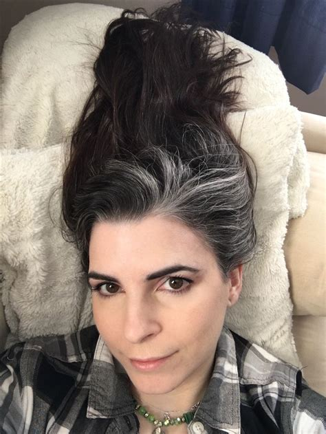 The 25 Best Gray Streaks Ideas On Pinterest Grey Hair