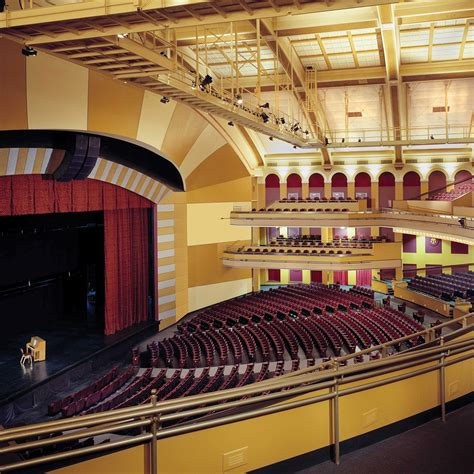 milwaukee theatre engberg anderson architects