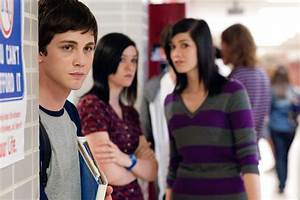 Trailer & Poster For 'The Perks of Being a Wallflower ...