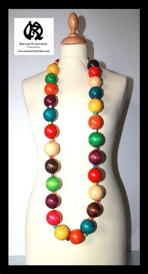 collier sautoir g 233 ant en grosses perles de bois multicolore style roots maryse richardson