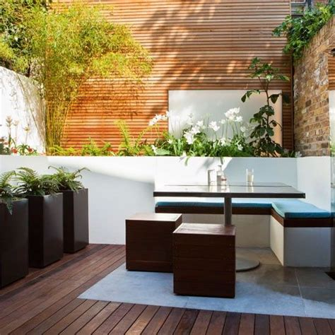 blumenkübel selber bauen gartengestaltung ideen bambuspflanze eckbank holzboden blumenk 252 bel gartenm 246 bel