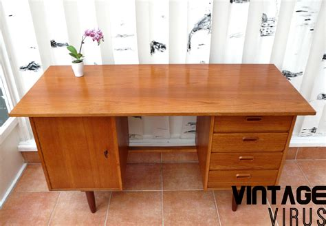 bureau design vintage vintage bureau met mooie handgreepjes gemaakt teak