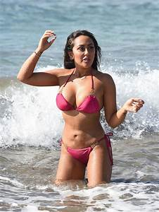 Sophie Kasaei In Pink Bikini On The Beach In Lanzarote