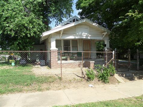 house renovation before and the outsiders house museum
