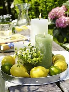 Gartenfest Im Winter : gro e kerzen und sch ne zitronen als tischdekoration im ~ Articles-book.com Haus und Dekorationen