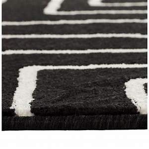 Tapis Geometrique Noir Et Blanc : tapis contemporain et design rafy rectangulaire 160 x 230 noir blanc ~ Teatrodelosmanantiales.com Idées de Décoration