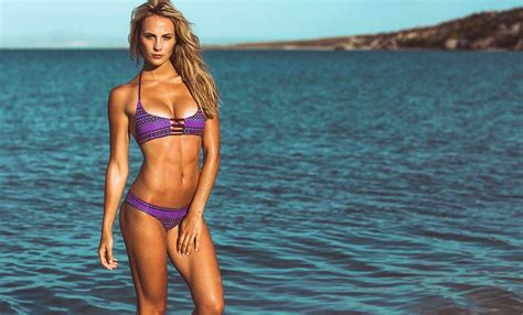 World Swimsuit Rookie Of The Year Kerrylee Cousins