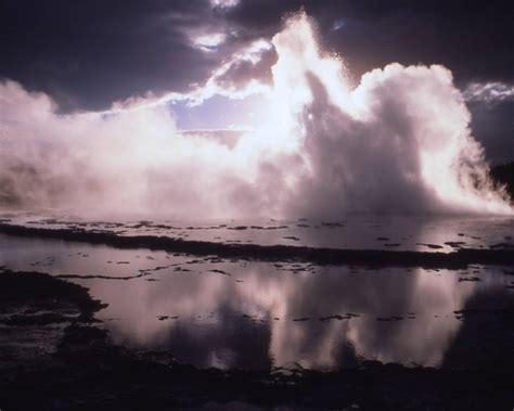 light shining  fog  lake background image