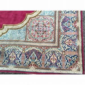 tapis d39orient en laine fond rouge sur moinat sa With tapis d orient