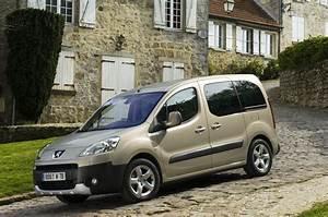 Peugeot Partner Tepee Versions : peugeot partner tepee maintenant disponible en 7 places ~ Medecine-chirurgie-esthetiques.com Avis de Voitures
