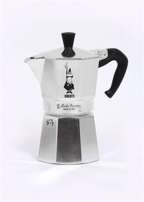 Leader in the market of italian stovetop coffee makers, the bialetti brand offers you a guaranteed quality. Carhartt x Bialetti Moka Express Espresso Maker - Silver