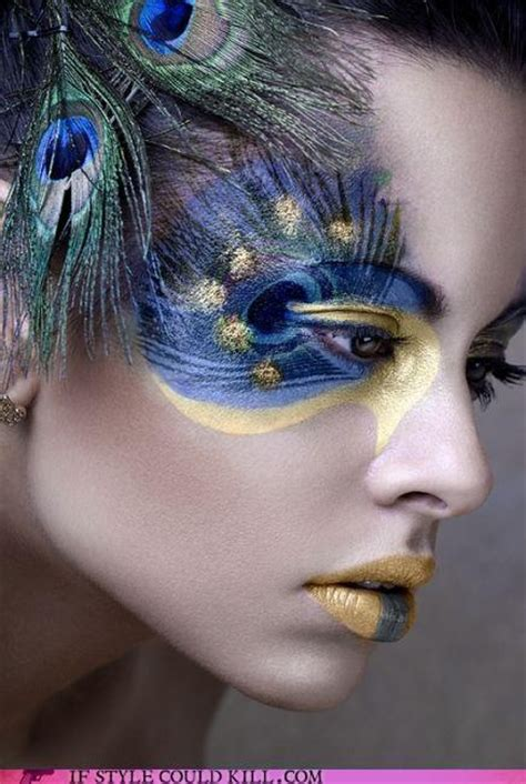 amazing peacock inspired eye makeup    pretty designs