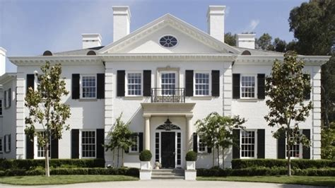 colonial homes colonial revival style colonial revival