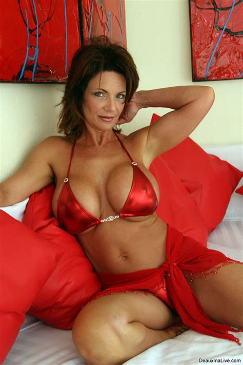 Deauxma Hot Hot Girls Wallpaper