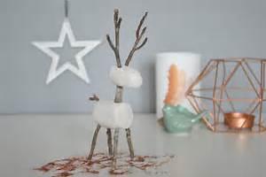 Pate A Bois Comment L Utiliser : un renne en branchages et p te a modeler d co de no l ~ Dailycaller-alerts.com Idées de Décoration