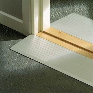 Largeur Porte Pmr : rampe de seuil pmr en aluminium pour franchissement de petite marche ~ Melissatoandfro.com Idées de Décoration