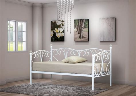 ft ft day bed  trundle  crystal finials