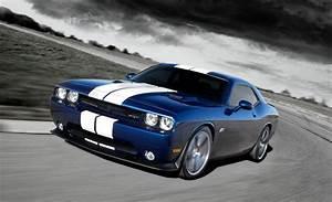 Dodge Challenger Srt8 : 2011 dodge challenger srt8 392 first drive dodge challenger review car and driver ~ Medecine-chirurgie-esthetiques.com Avis de Voitures