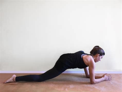 Practice These 9 Hip Stretches To Relieve Tight Hips