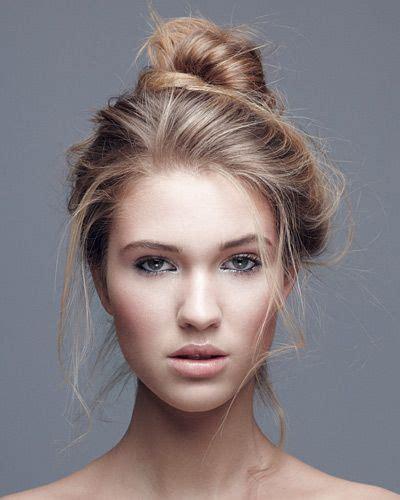 undone dutt anleitung dirndl frisuren zum nachmachen der perfekte wiesn look dutt dutt frisur und frisur hochgesteckt