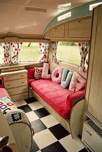 Fabriquer Mini Caravane : int rieur de caravane comment l 39 am nager ~ Melissatoandfro.com Idées de Décoration