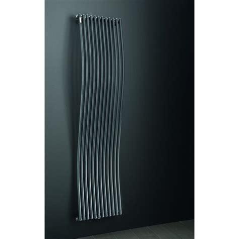 photo radiateur design eau chaude vertical