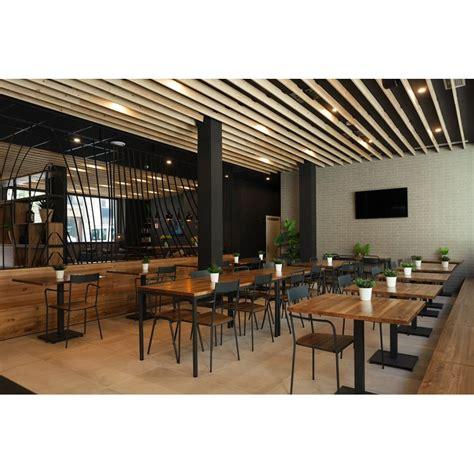 mesa restaurante estilo industrial hierro madera roble