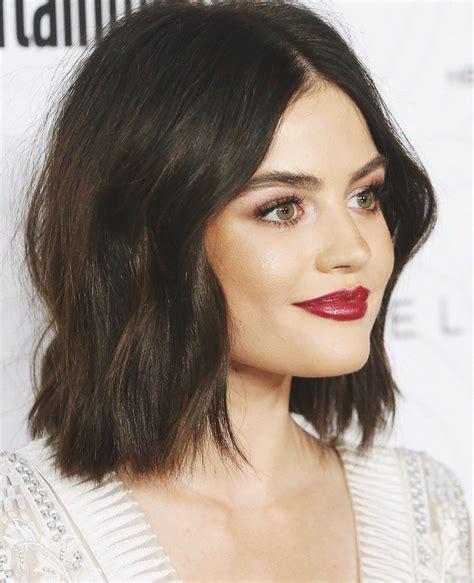 Pin di maanya bisht su Lucy Hale | Idee per capelli ...