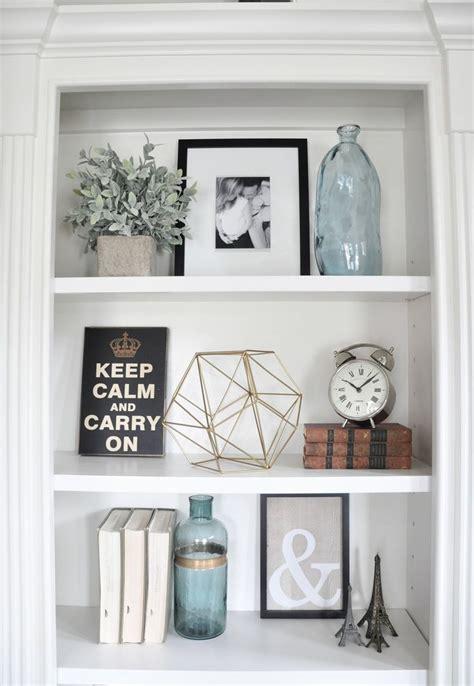 shelf decor ideas best 25 decorating a bookcase ideas on pinterest
