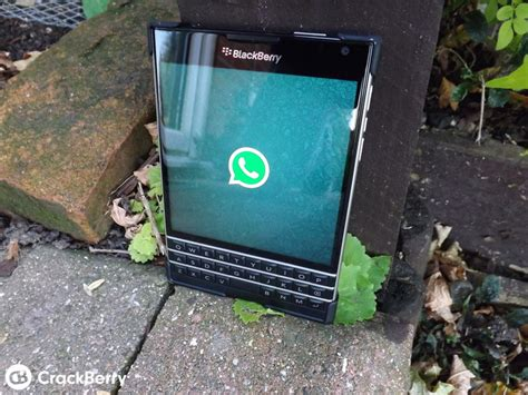 whatsapp gets updated for blackberry 10 3 and the passport