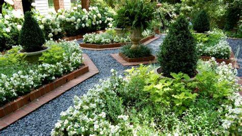 Formal Garden Design | HGTV