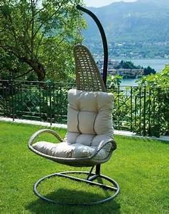 Fauteuil Suspendu Sur Pied : un fauteuil de jardin suspendu pour oublier le stress ~ Melissatoandfro.com Idées de Décoration