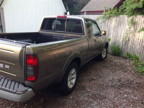 purchase used 2001 nissan frontier xe crew cab 4 door 2 4l in pompton plains new jersey