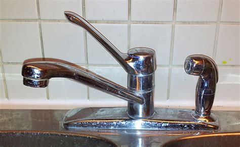 how to tighten an old moen kitchen sink faucet where the