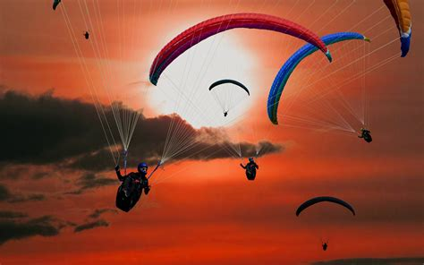 Paragliders Wallpapers
