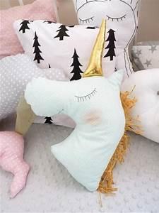 Kissen Nähen Ideen : die besten 25 kissen n hen ideen auf pinterest kissenbez ge n hen n hkissen und ungen hte kissen ~ Markanthonyermac.com Haus und Dekorationen