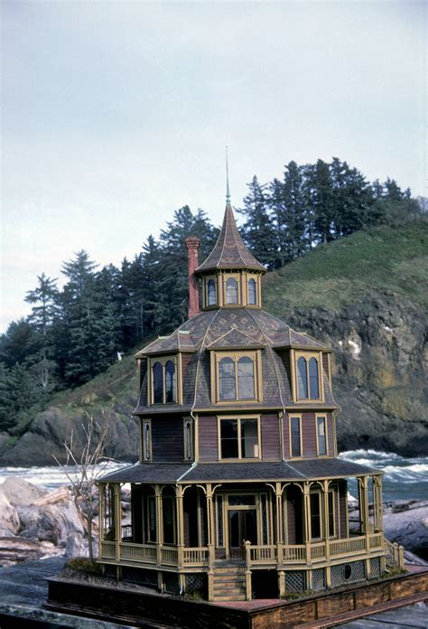 Ultimate Victorian Octagon House Smallhousepress - Home ...