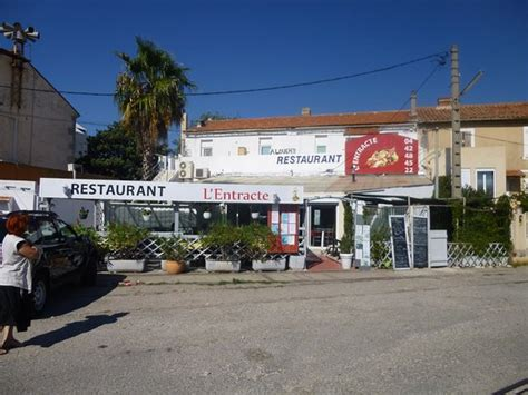 restaurant port louis du rhone entr 233 e du restaurant picture of l entracte port louis du rhone tripadvisor