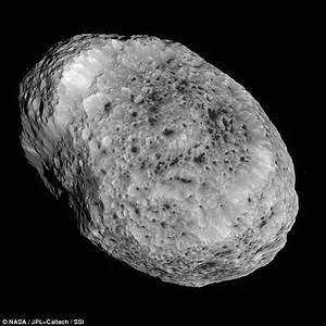 Nasa's Cassini spacecraft captures Saturn's moon Hyperion ...