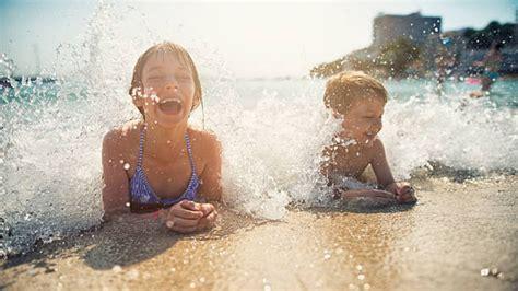 Consejos para que los niños disfruten de la piscina y la ...