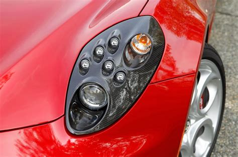 alfa romeo  coupe offered   headlight design